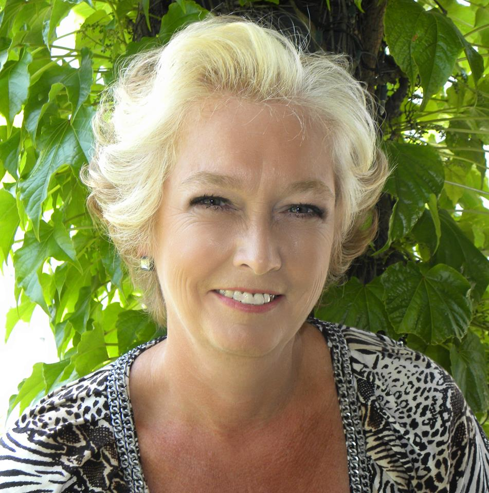 Lynn Froste : Bookkeeper/Payroll